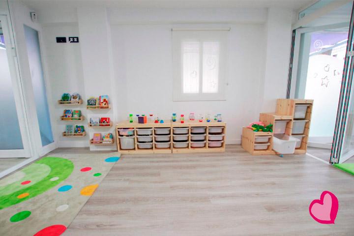 Escuela Infantil alternativa y diferente mediante las artes y el inglés.